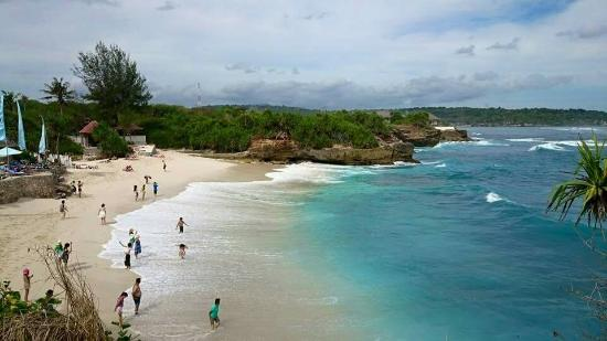 Dream Beach Nusa Lembongan@thenusapenida.com