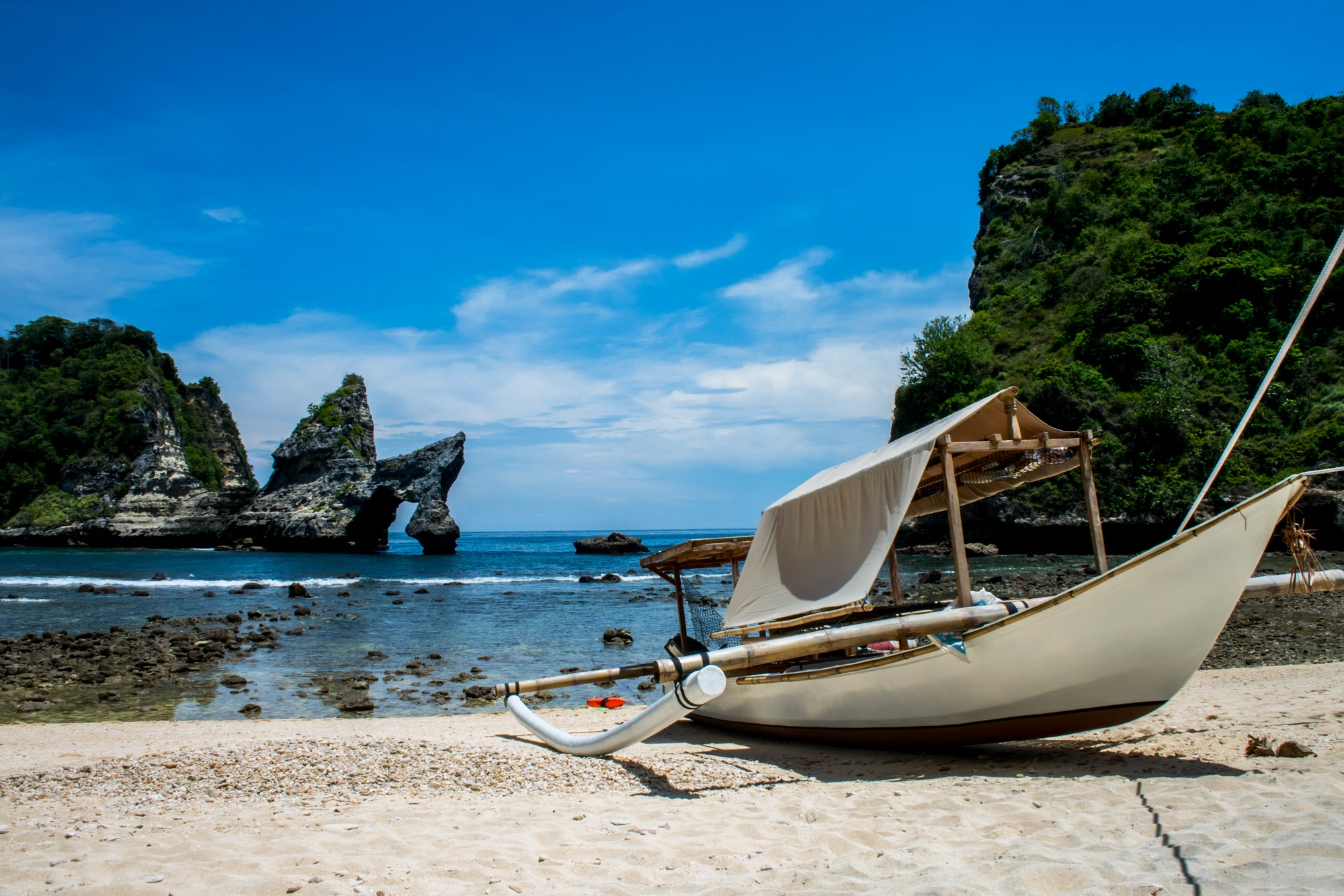 Atuh-Beach-nusa penida
