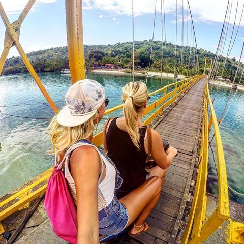 Jembatan kuning Nusa Lembongan