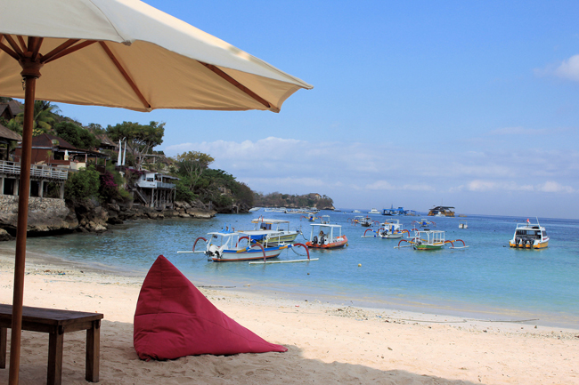 Pantai Jungut Batu Nusa Lembongan@thenusapenida.com